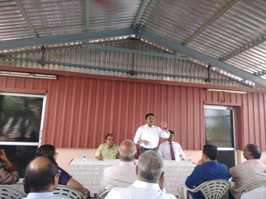 Dr. K. Velavan participated in a meeting of the LIC agents to address the cancer awareness. (11)