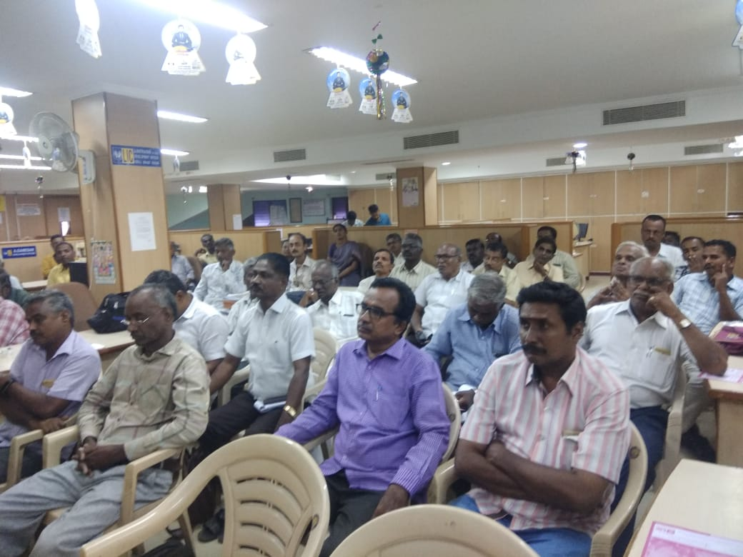 Dr. K. Velavan participated in a meeting of the LIC agents to address the cancer awareness. (20)